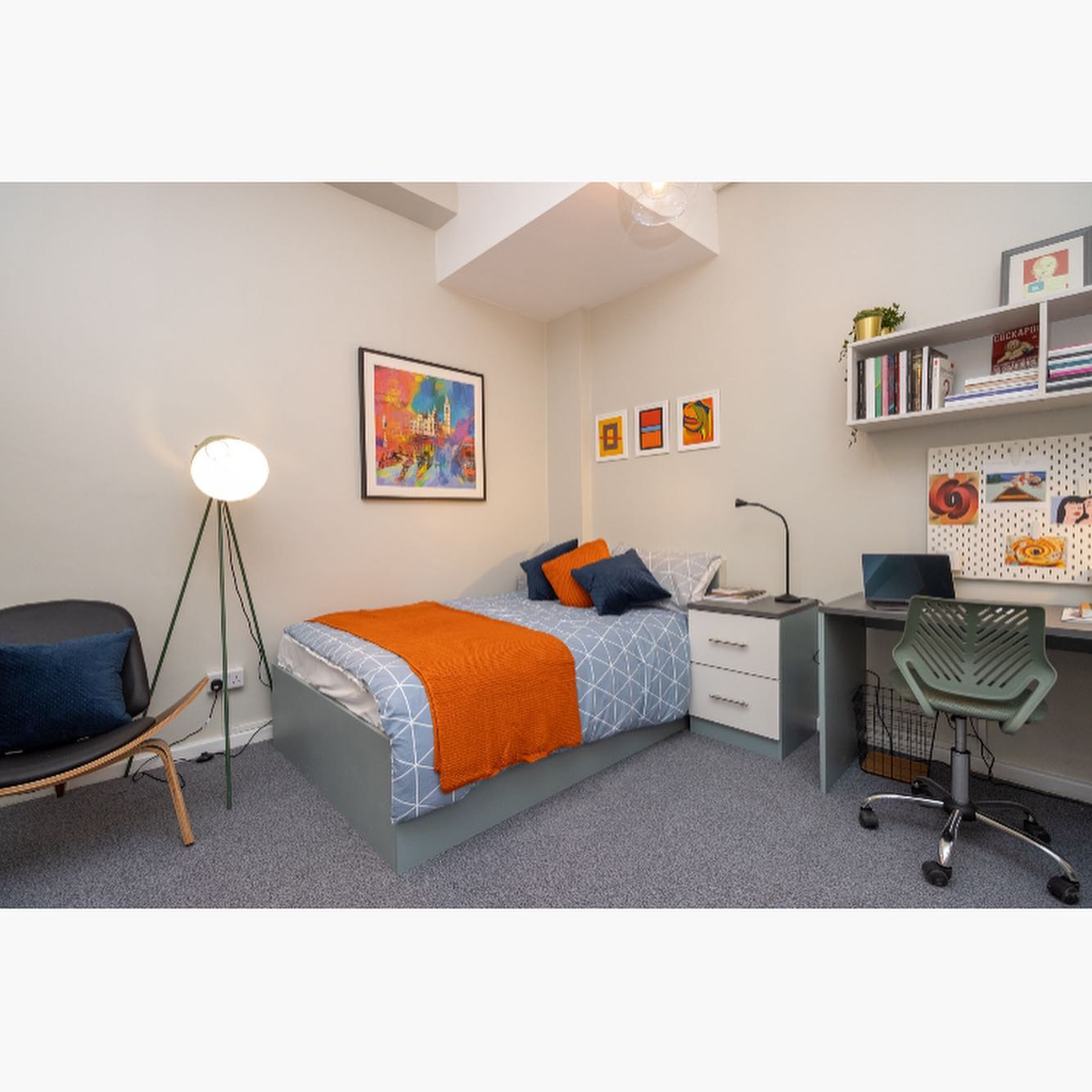 We still have availability on the below room types for 20/21. ️Standard Plus ️Classic ️Premium ️Premium Plus ️Deluxe Don't miss out on the room you want. Take yourself over to our website today and check us out or get in touch to arrange a video tour! louisehouse@crm-students.com . .