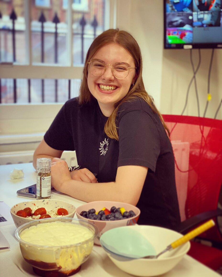 Having cake at Louise House is pretty much compulsory! So here's Emily enjoying some very yummy triflecake and refreshing fruit  . . . studentaccommodation student studentlife studentroom