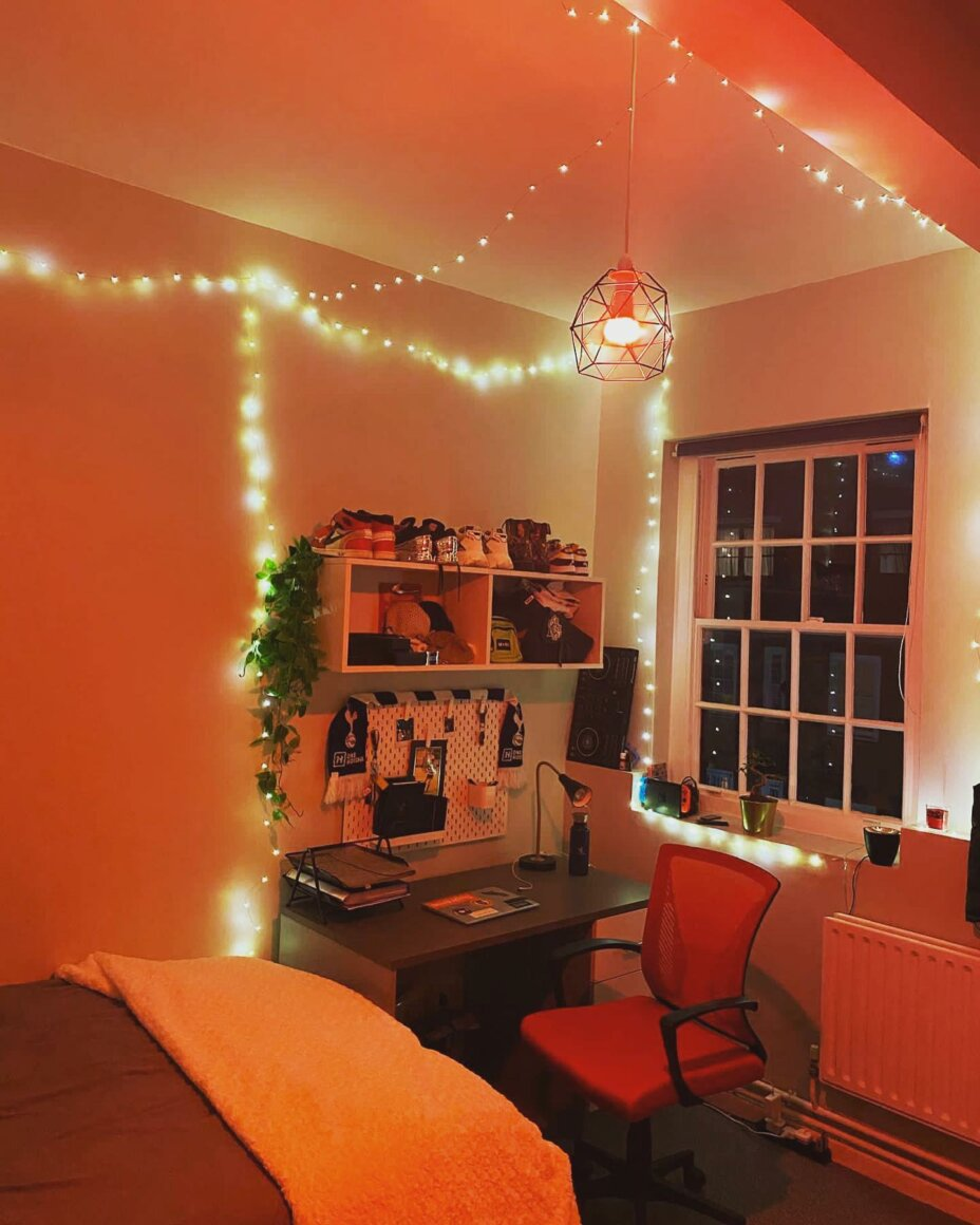 How would you decorate your room at Louise House? The possibilities are endless  Check out Joshua's Premium Room @dr.jaycee . . . student studentlife students studentaccommodation louisehouse studentliving studentslife studentstyle
